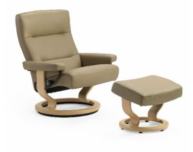 Ekornes Stressless Pacific Recliner with Ottoman