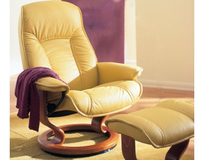 Ekornes Stressless Senator / Governor Recliner with Matching Ottoman