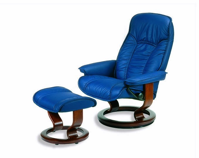 ekornes stressless senator governor recliner with matching ottoman. Black Bedroom Furniture Sets. Home Design Ideas
