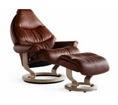Ekornes Stressless Voyager Large Recliner with Ottoman